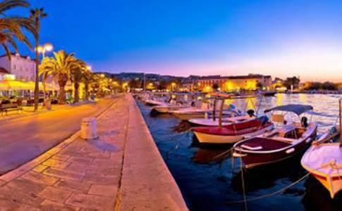 Sutivan docks with boats